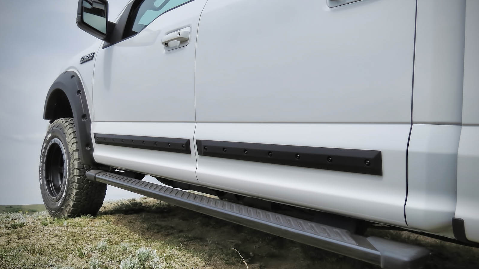 Truck Hardware Egr Bolt On Look Body Side Molding